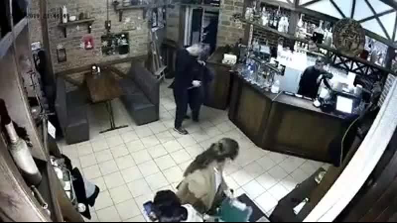 В Полтаве ул\Пушкина (с🔪В.Воробей - был членом криминальной группировки - бригады Басистого