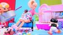 Oyuncak bebek bakma oyunu. Barbie arkadaşının kreşine gidiyor