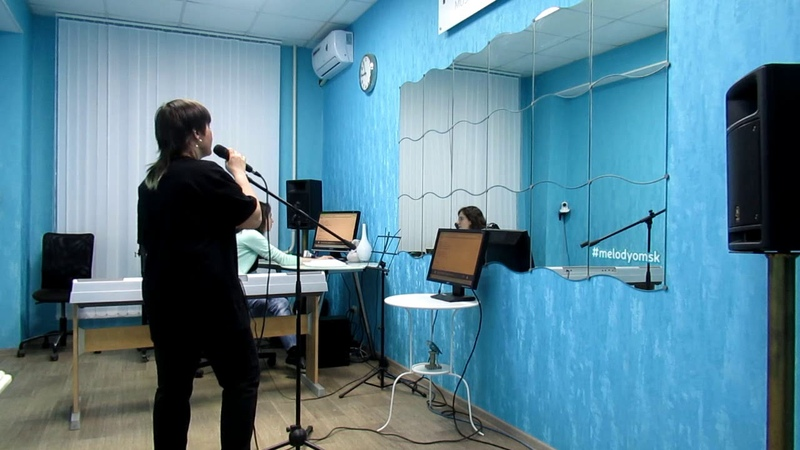 Занятие в музыкальной школе Melody 29 (Константин Пахомов – «Лето»)