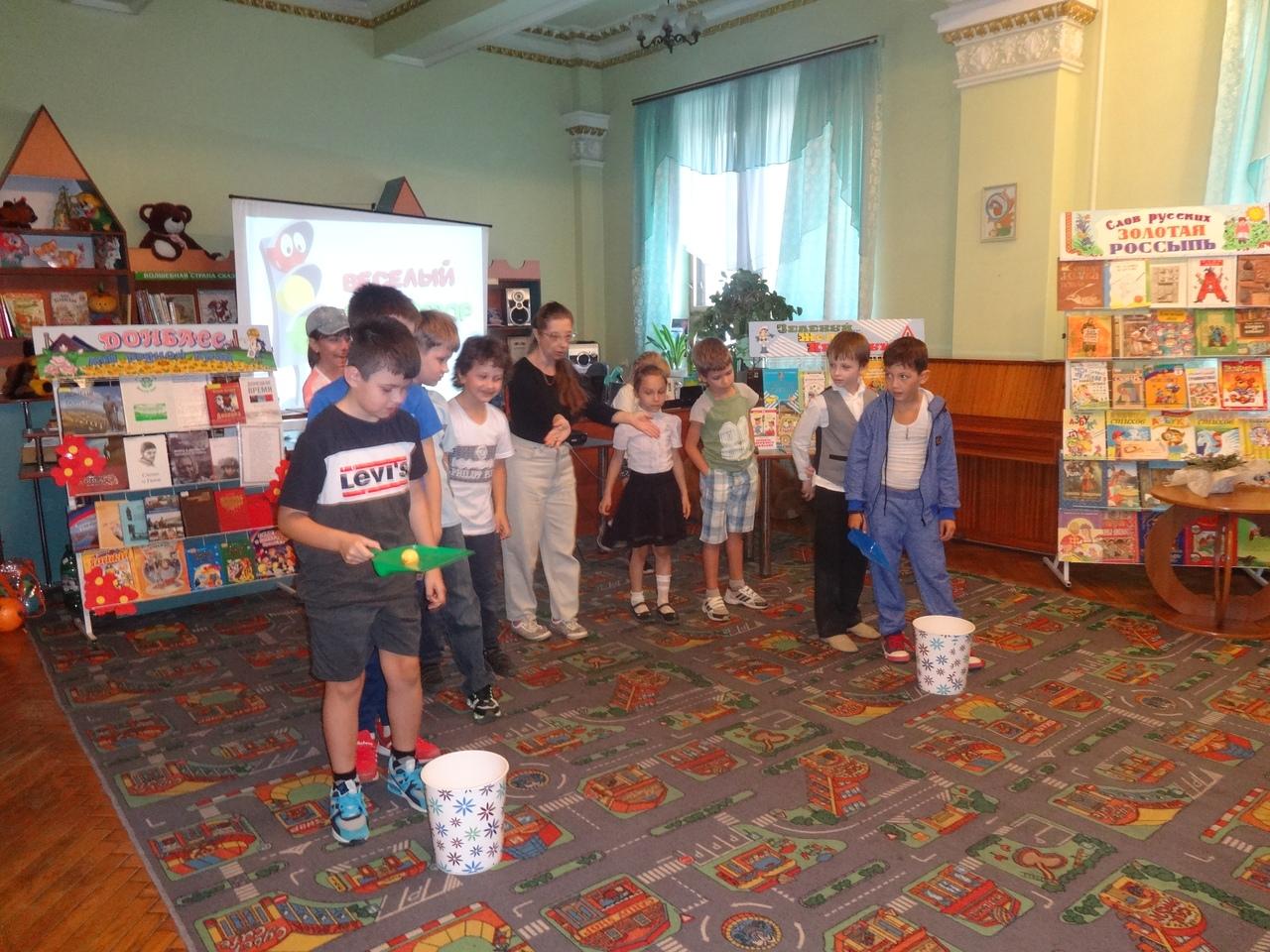 Донецкая республиканская библиотека для детей, занятия с детьми, в библиотеке интересно, отдел обслуживания дошкольников и учащихся 1-4 классов