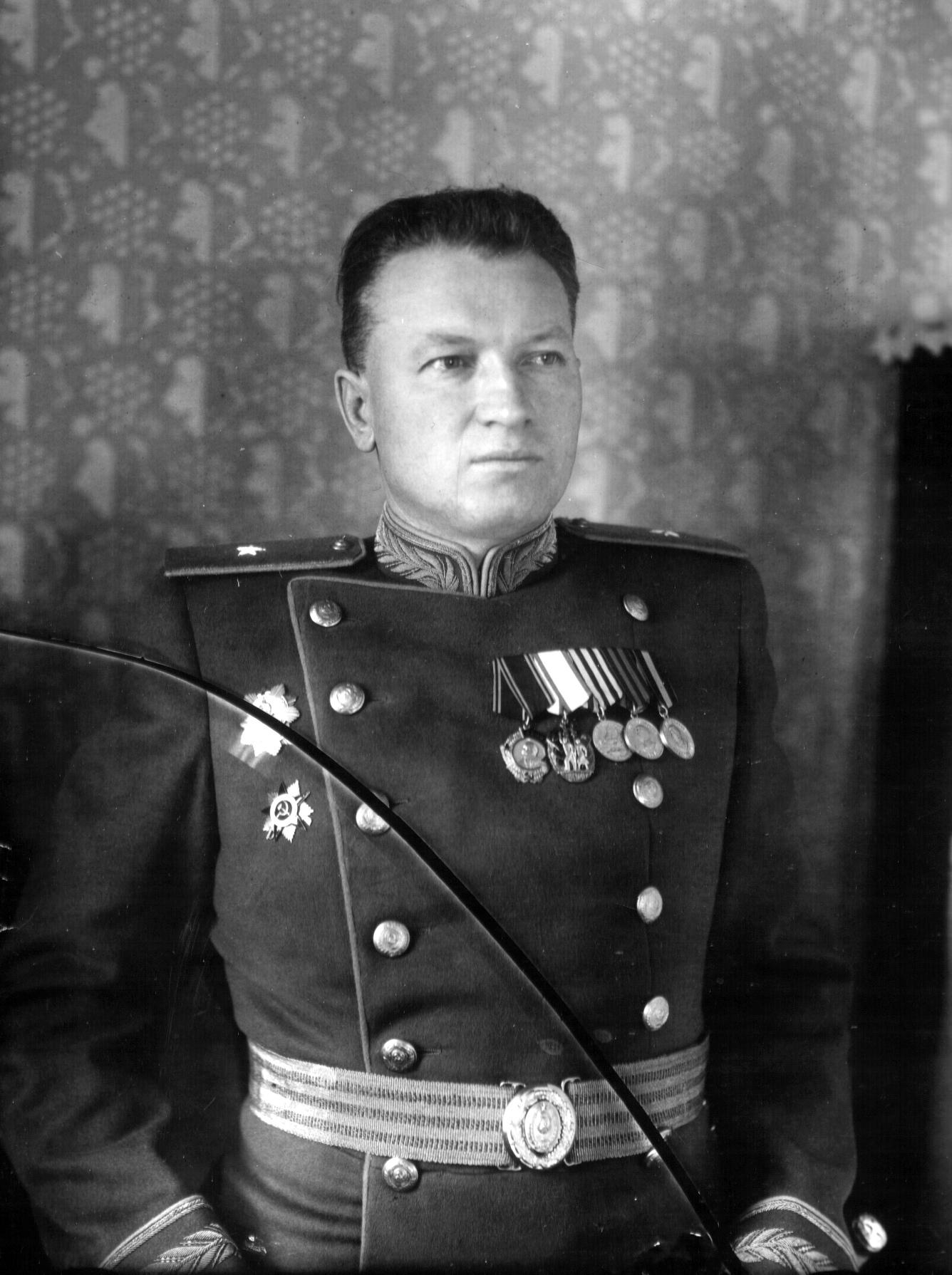 Директор завода № 19 А.Г. Солдатов