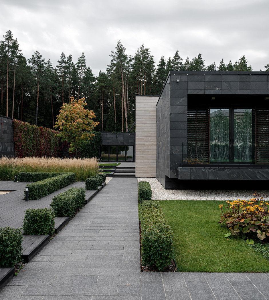 Современный дом 4500 м² с красивым садом на Новой Риге