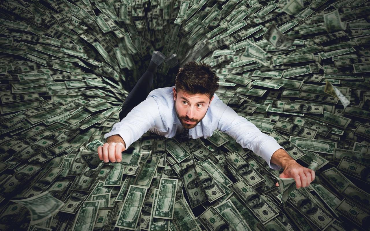 зачем занимают деньги