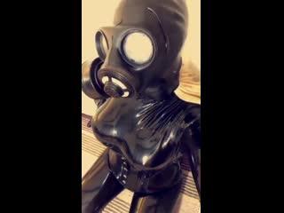 Gas_mask_tease