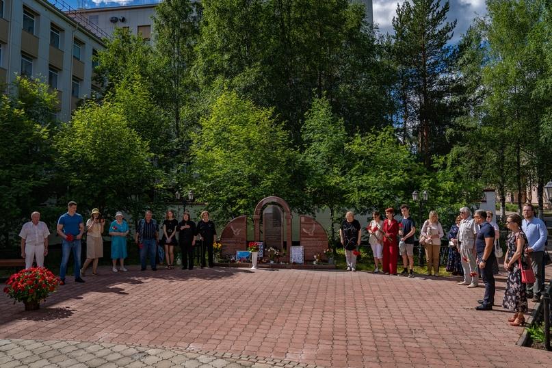 Ухтинцы не забудут: 15 лет со дня трагедии, изображение №1