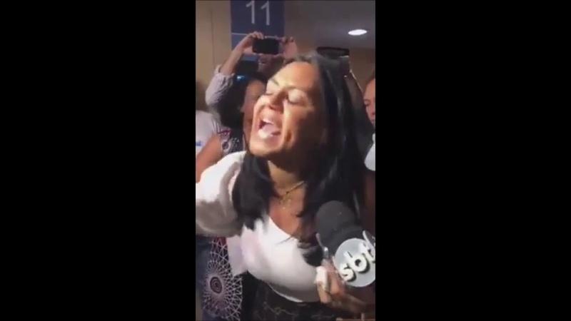 Eu gritei Bolsonaro 17 pelo senhor Familiares de militares às lágrimas chamam Bolsonaro de TRAIDOR