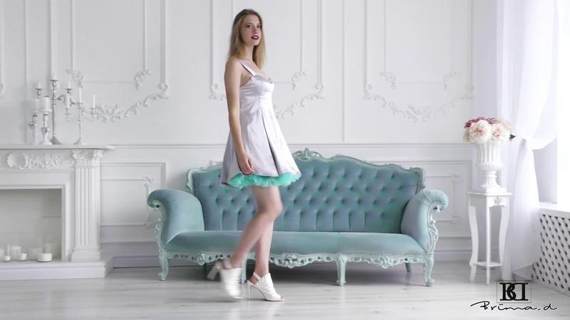 Model Courtney doll dress present, catwalk, posing agency Brima.d