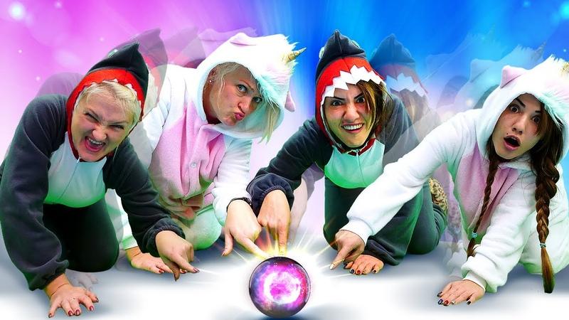 Der Hai und das Einhorn finden einen magischen Ball Lustiges Video für Kinder