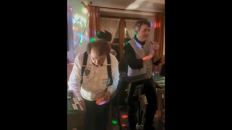 Karaoke Party beim Gartei Teil 4 @ Milchbar, Reit im Winkl, 7.2.20 ® HKH Webmaker © www.LosRein.de