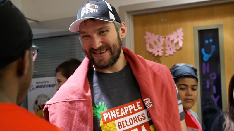 Ovechkin Delivers Pizzas for Make A Wish