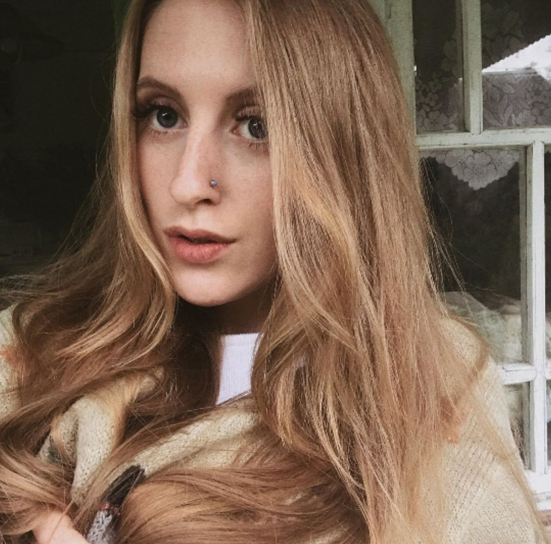Teen webcam russian Miley Cyrus