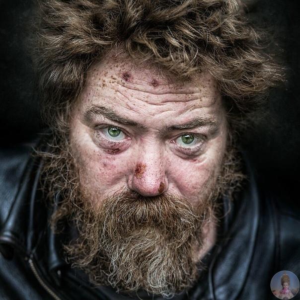 Стрит-фотограф Педро Оливьера снимает портреты бездомных людей