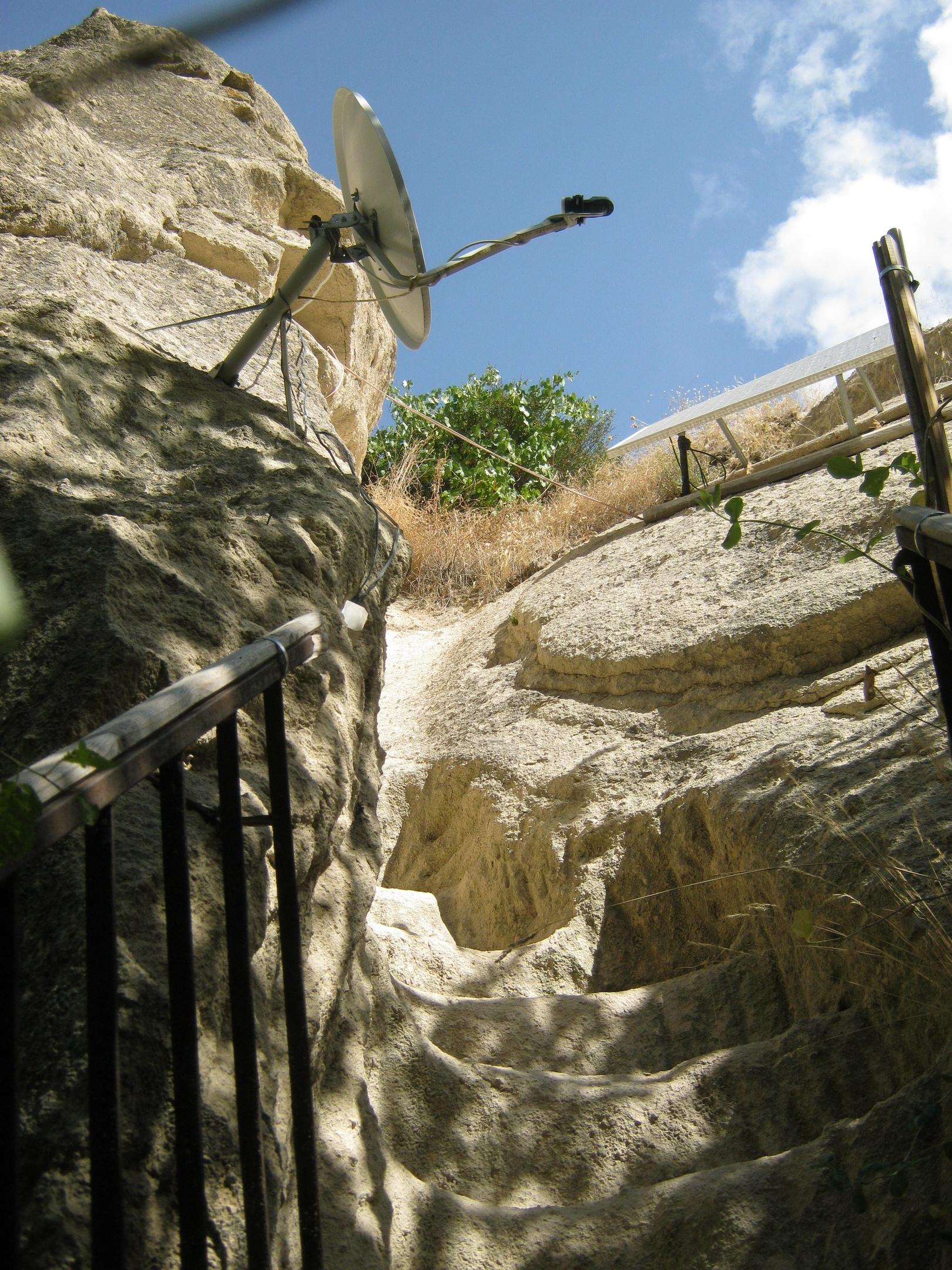 выдолбленная лестница в Каппадокии