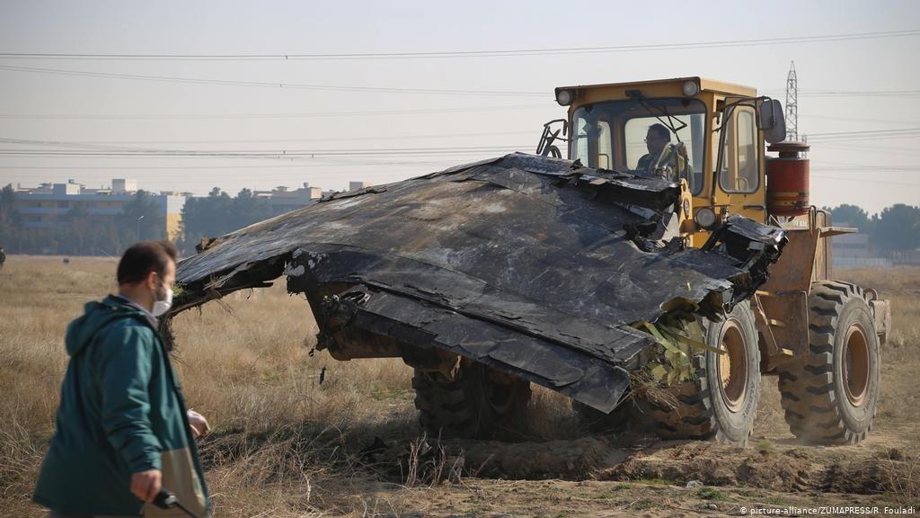 В Ірані заперечують розчищення місця катастрофи бульдозерами при тому, що такі кадри показало навіть місцеве телебачення - Цензор.НЕТ 5697