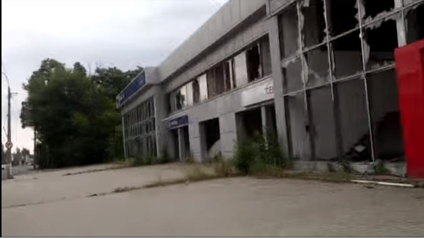 «Освобожденный» и безлюдный: в сети появилось видео Луганска