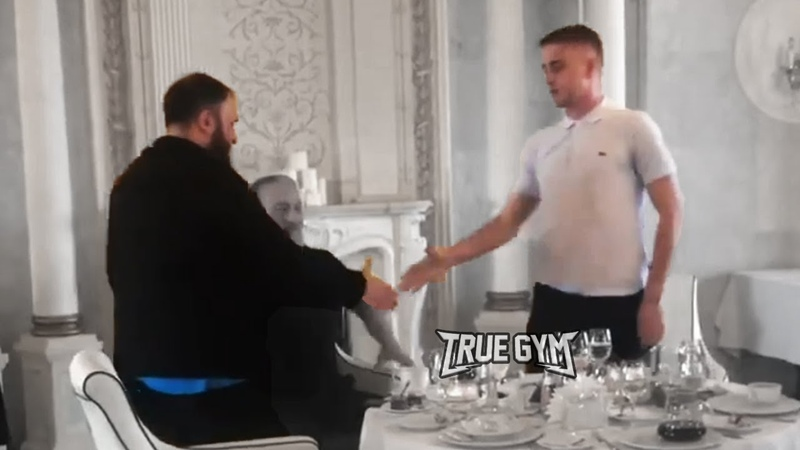 Зелимхан извинился перед Коваленко и Кадыровым Будет наказан Чем закончился конфликт