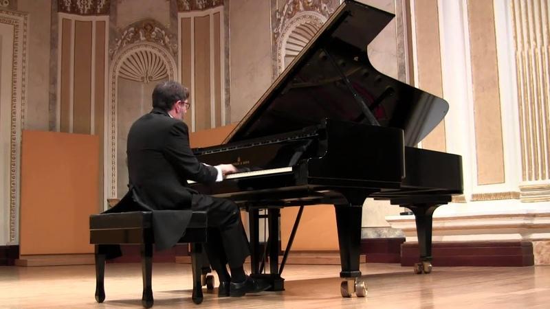 J. S. Bach - F. Busoni Toccata and Fugue BWV 565. Piano Juan Ignacio Fernández