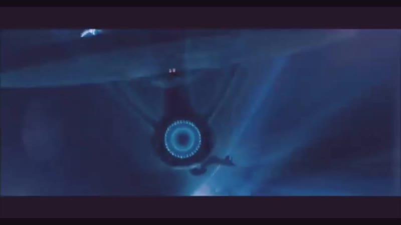 Отрывоок из фильма Стартрек Адмирал Маркус перегоняет капитана Кирка