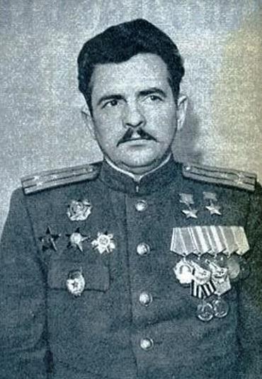 Дважды Герой Советского Союза Петр Афанасьевич Покрышев