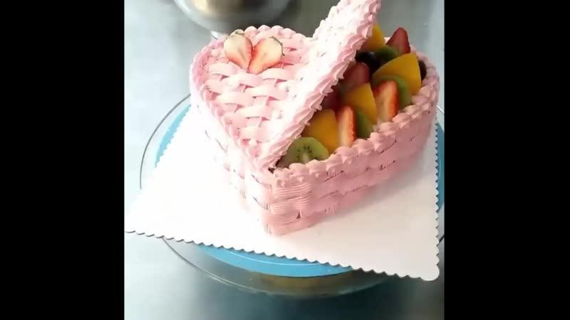 Несколько простых идей для украшения тортиков