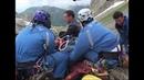 Sauvetage à haut risque en montagne Images absolument incroyables