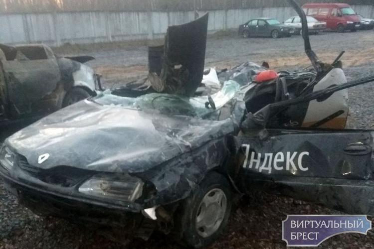 Водитель уничтоженного автомобиля пожаловался на маленькую выплату по страховке