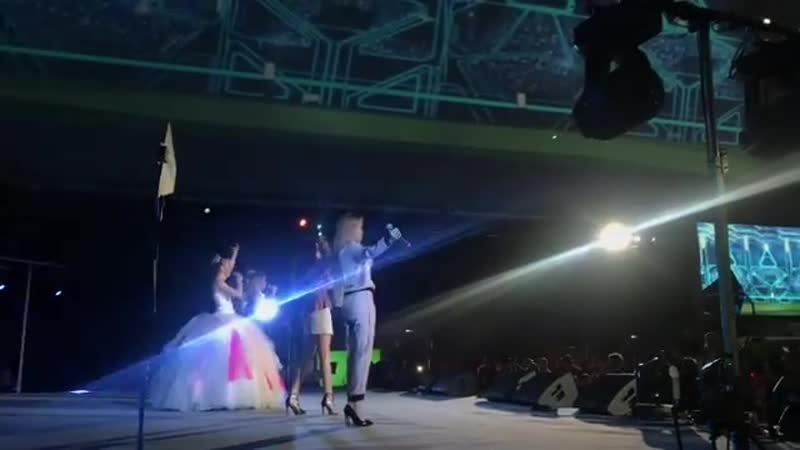 Блестящие Светлана Феодулова - Свисток зовёт! (Открытие чемпионата мира по футболу, 14.06.2018)