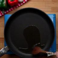 id_57839 Пенне с томатами и мясом 🍝  Автор: Twisted  #gif@bon