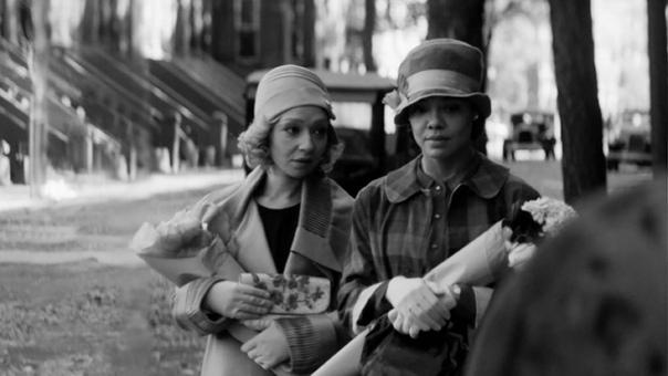 Тесса Томпсон и Рут Негга на первом кадре триллера «Уходя»