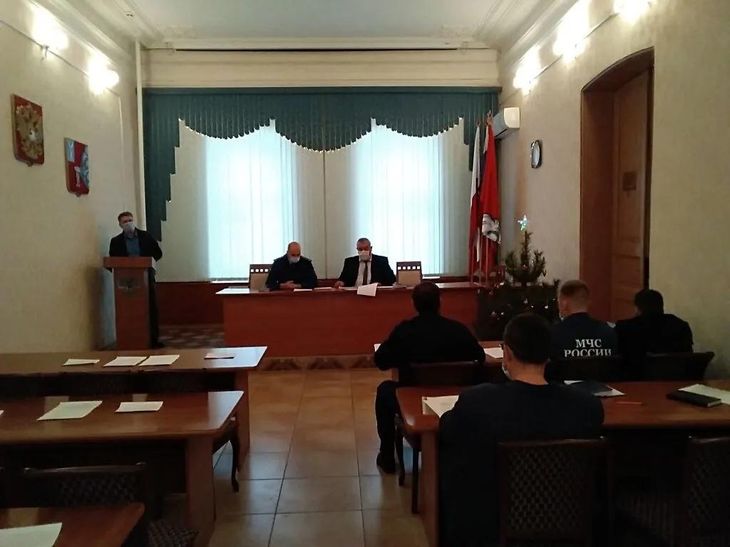На заседании районной антитеррористической комиссии обсудили меры безопасности в предстоящие праздничные дни