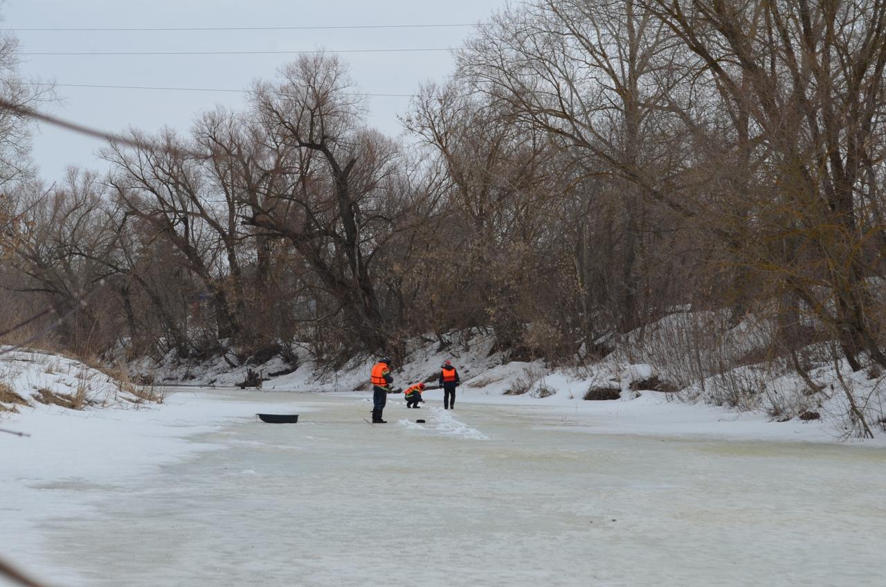 Сегодня в Петровске проводят ледовзрывные работы