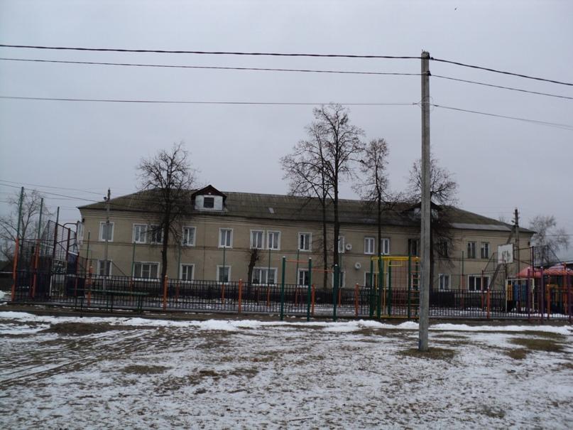 Типовая советская жилая архитектура 50-х годов в Белоомуте., изображение №26