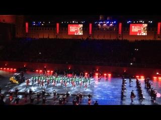 Международный кельтский оркестр волынок и барабанов и Международная команда кельтских танцев