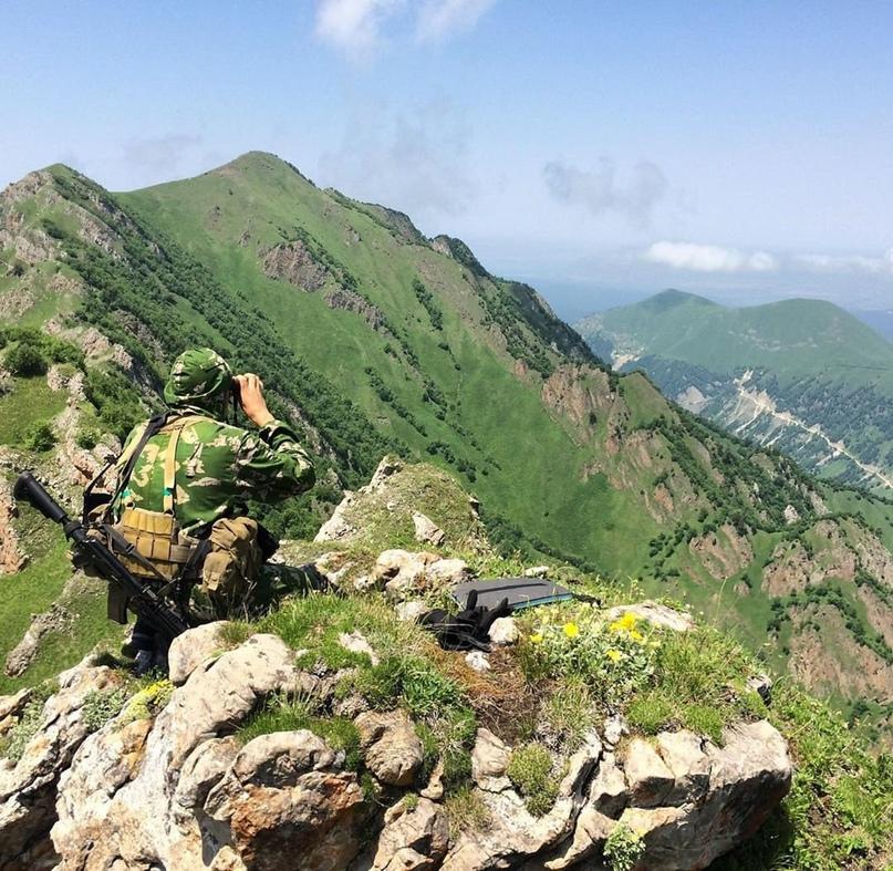 Военнослужащий 417-го Отдельного разведывательного батальона 42-й гвардейской мо...