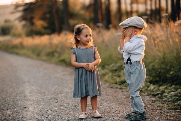 Если в партнерских отношениях мужчина и женщина хочет другого в первую очередь не как жену или мужа, а в большей степени из каких-то других соображений, например, как это замечательно говорят, видеть другого отцом или матерью своих детей, то в этих случая