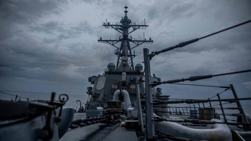 Эсминец ВМС США прошел Тайваньский пролив