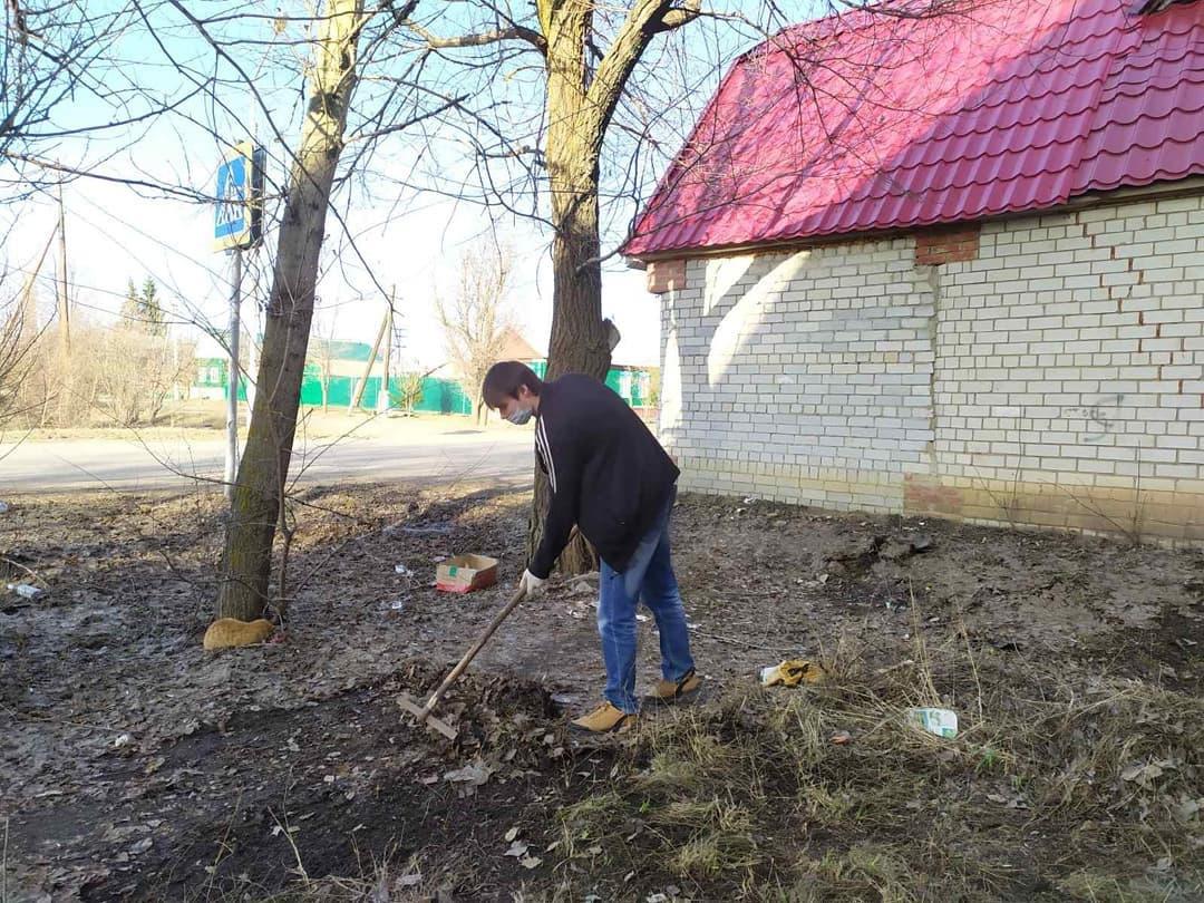 Петровчане наводят порядок на своих придомовых территориях и на участках, закреплённых за организациями и предприятиями