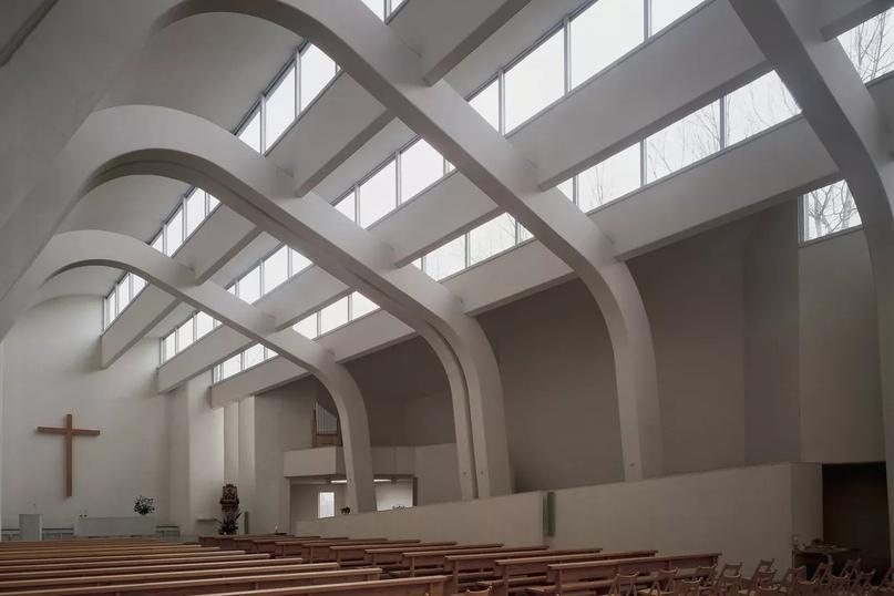 Интерьер церкви Успения Пресвятой Богородицы, Риола ди Вергато, Эмилия-Романья, Италия