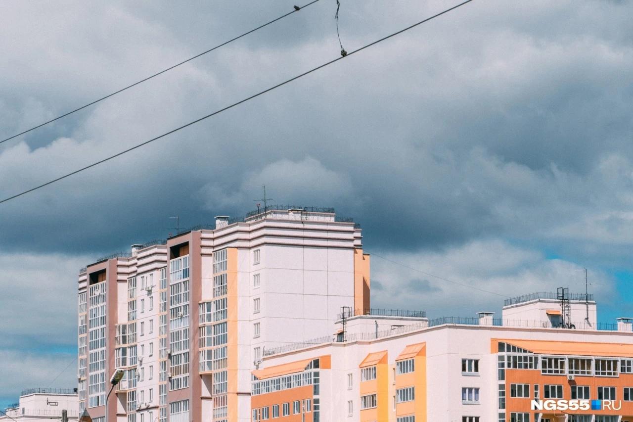 В Омской области ввели жилищный сертификат для сирот. Его не хватит и на однушку