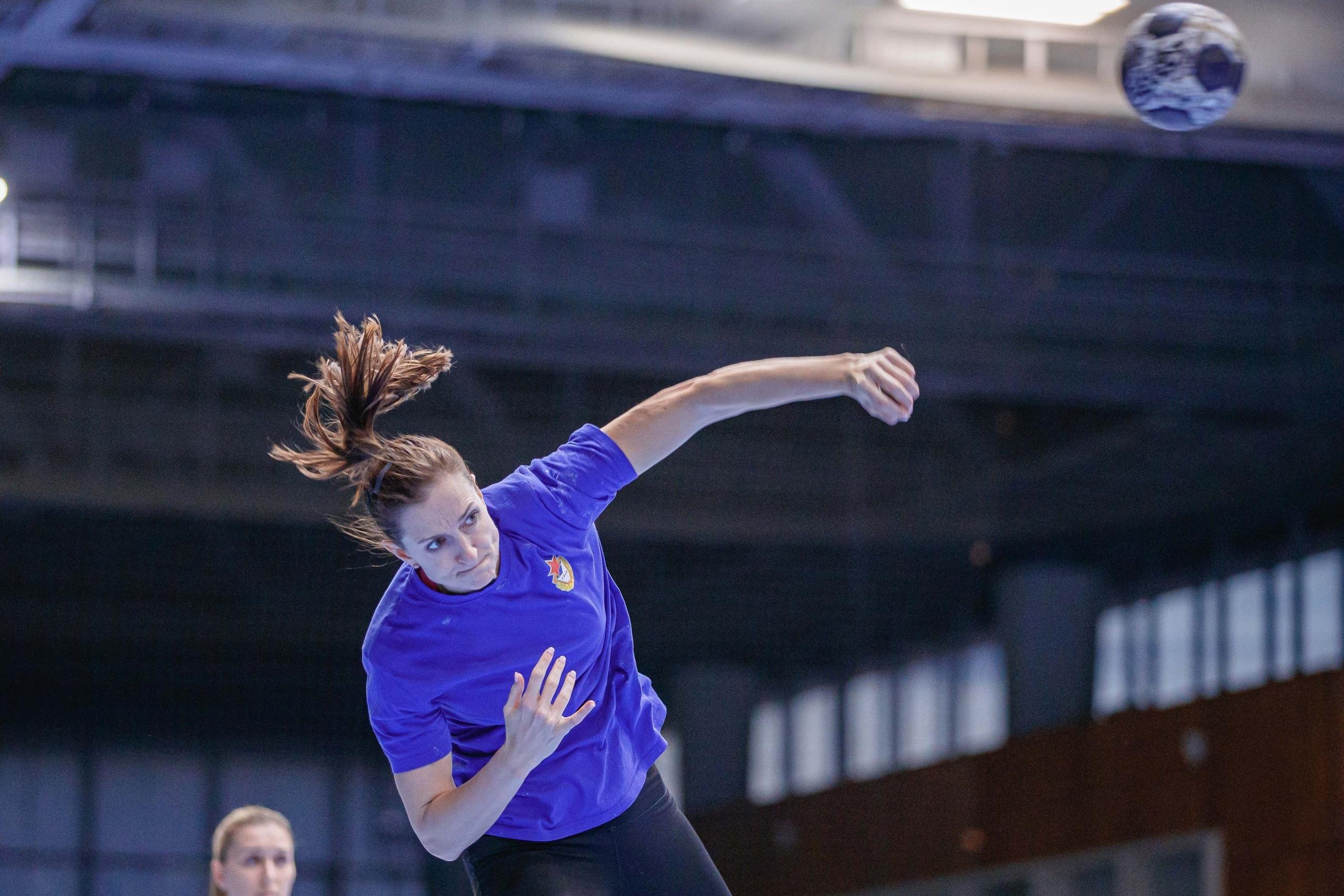 """Ана Грос: """"Рада за Люду Бодниеву, очень ее уважаю. Как бы я ни пасовала в линию, она всегда ловила мяч!"""", изображение №4"""