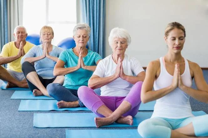 йога пожилые