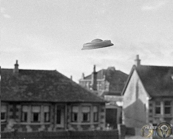 Фокс Малдер нашего времени Накануне в Пентагоне обнародовали три видео, на которых сняты НЛО. Военные признали подлинность записей и заявили, что это не испытания летательных аппаратов. Но