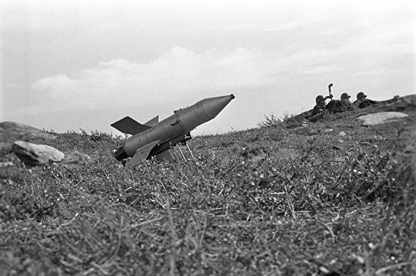 Противотанковый управляемый реактивный снаряд первого поколения «Малютка» (9К11)