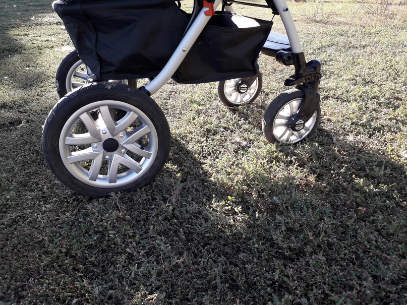 Очень удобная коляска, как зимой так и | Объявления Орска и Новотроицка №18328