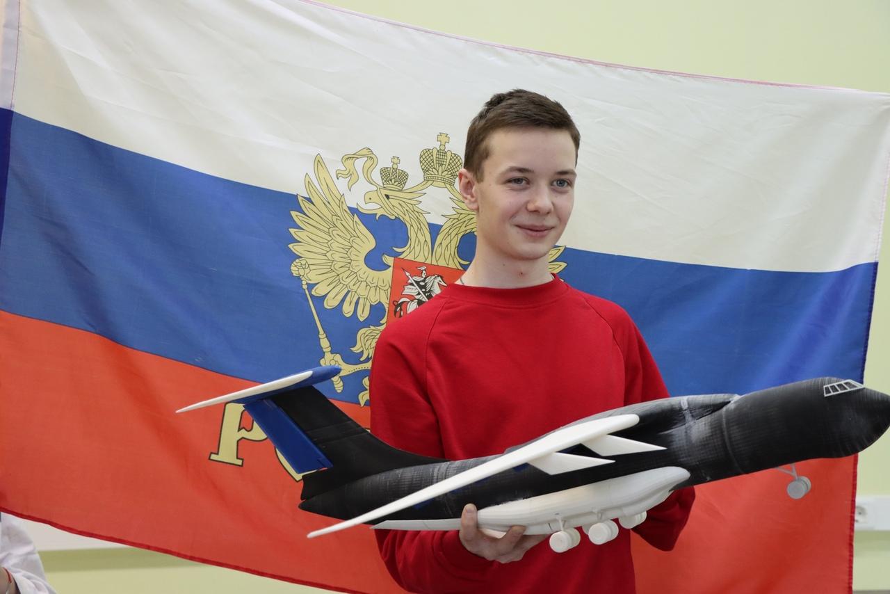 Будущий авиаконструктор С. Полежаев