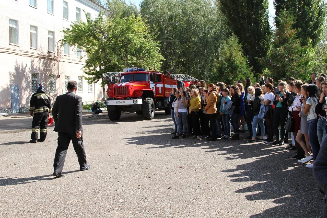 фото В школы Уфы поступили сообщения о заложенных бомбах