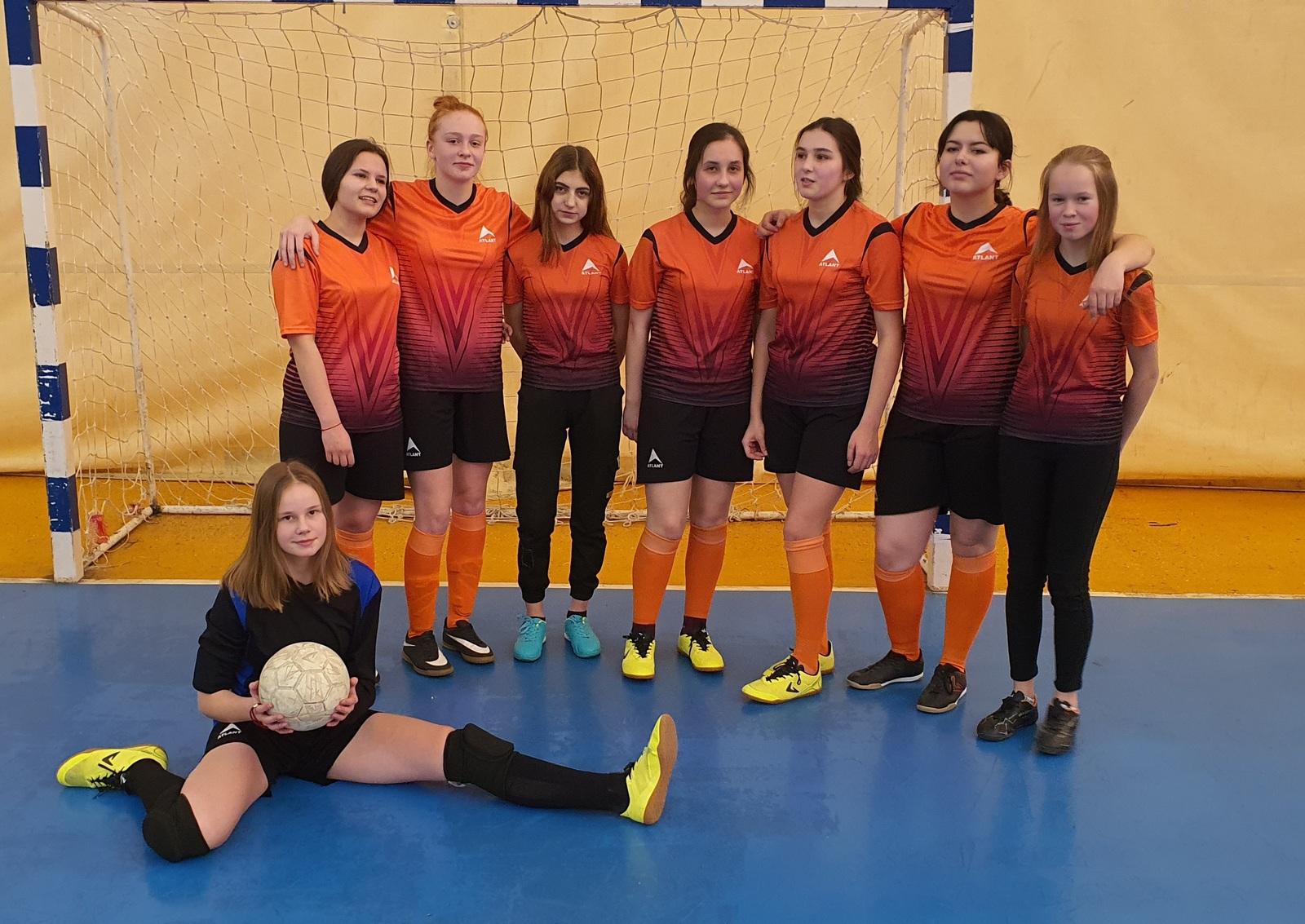 Команда Force из Малого Василево стала открытием чемпионата области по мини-футболу среди женщин
