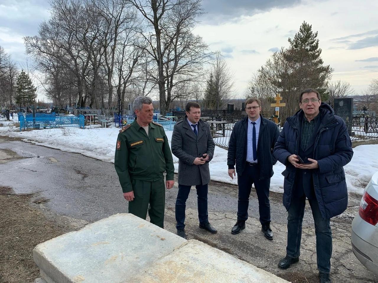 В Петровске реставрируют мемориал памяти - братскую могилу воинов, умерших от ран в госпиталях города в период Великой Отечественной войны