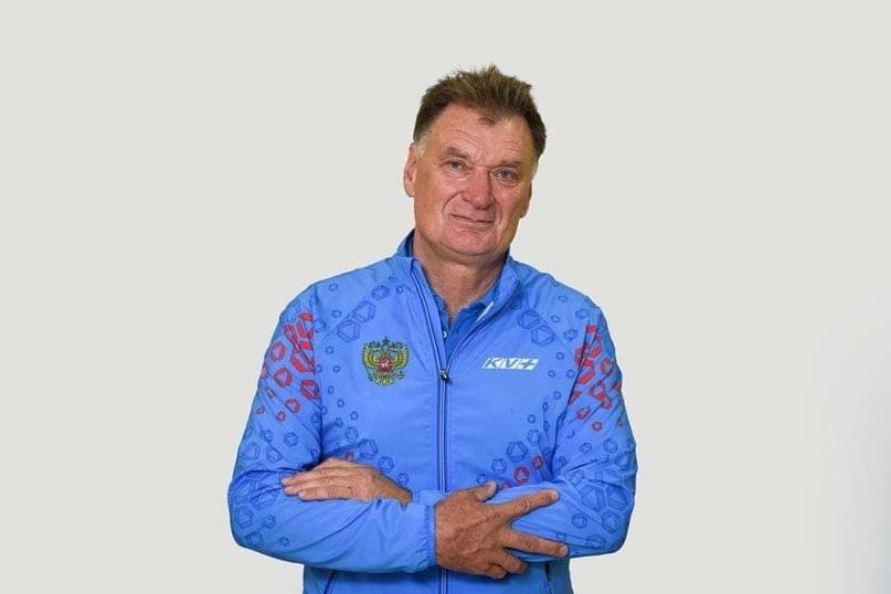 Тренер женской сборной России по биатлону Михаил Шашилов рассказал о взаимодейст...
