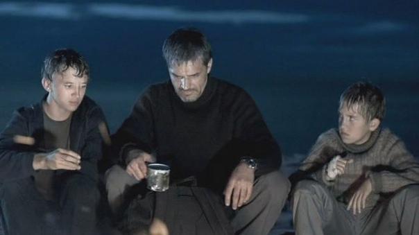 6 февраля исполняется 56 лет известному российскому режиссёру Андрею Звягинцеву! Вспоминаем его лучший полный метр - фильм Возвращение, 2003 годаСюжет: В жизни двух братьев неожиданно возникает